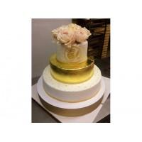 Свадебный торт с золотом из мастики
